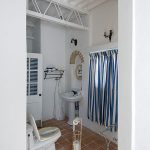 Bath room 014
